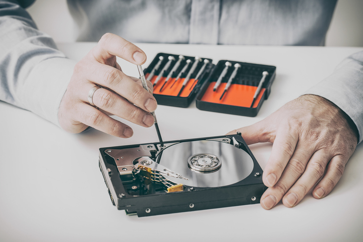 How the hard drive data is recovered by the experts